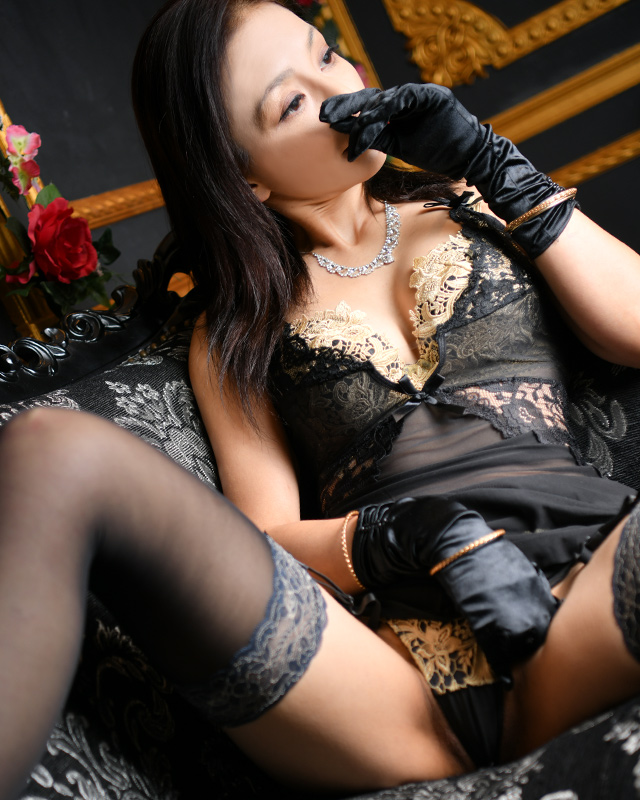 船橋デリヘル 風俗 人妻デリバリーヘルス『秘密倶楽部 凛 船橋店』涼さんのプロフィール写真1