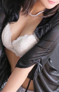 船橋デリヘル 風俗|人妻デリバリーヘルス『秘密倶楽部 凛 船橋店』エレナの写真