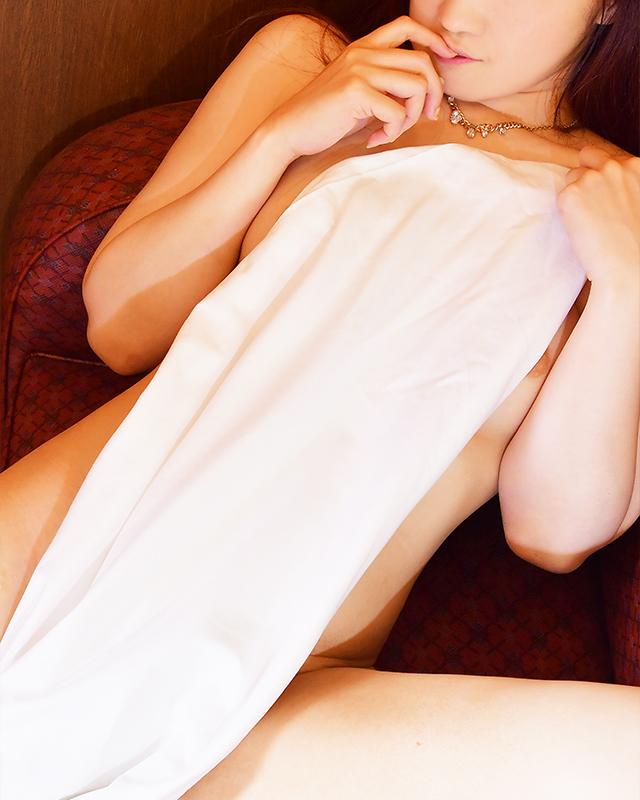 船橋デリヘル 風俗 人妻デリバリーヘルス『秘密倶楽部 凛 船橋店』ユイ.さんのプロフィール写真5