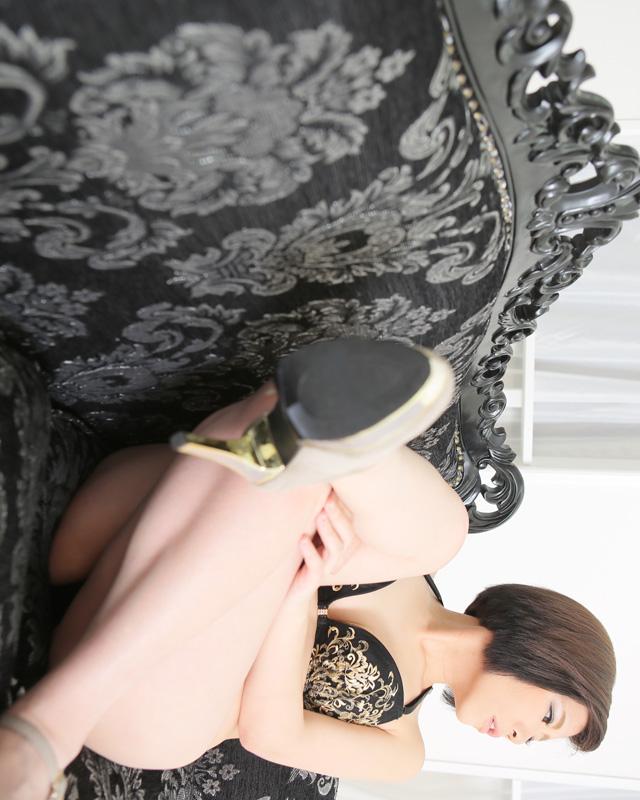 船橋デリヘル 風俗|人妻デリバリーヘルス『秘密倶楽部 凛 船橋店』恵梨香さんのプロフィール写真5