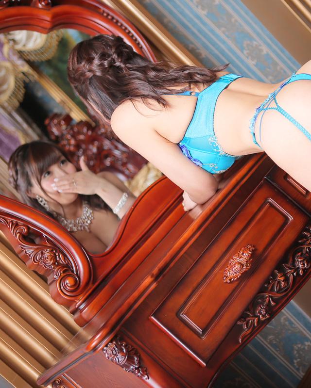 船橋デリヘル 風俗 人妻デリバリーヘルス『秘密倶楽部 凛 船橋店』ゆらさんのプロフィール写真3