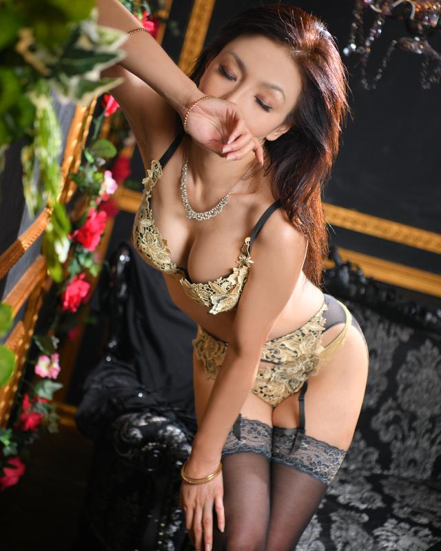 船橋デリヘル 風俗 人妻デリバリーヘルス『秘密倶楽部 凛 船橋店』涼さんのプロフィール写真2