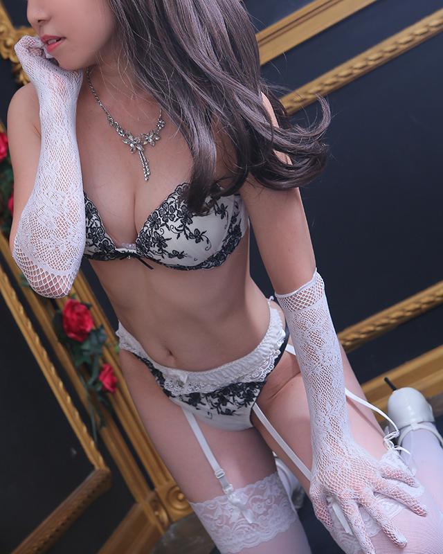 船橋デリヘル 風俗|人妻デリバリーヘルス『秘密倶楽部 凛 船橋店』ゆなさんのプロフィール写真3