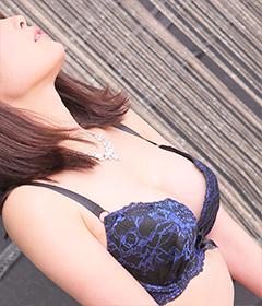 船橋デリヘル 風俗|人妻デリバリーヘルス『秘密倶楽部 凛 船橋店』新人モデルよしのさんの写真