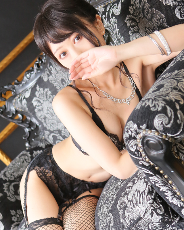 千葉風俗『秘密倶楽部 凛 千葉店』モデルあさひさんのプロフィール写真4