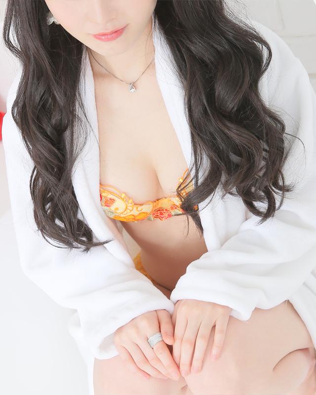 千葉風俗『秘密倶楽部 凛 千葉店』梓さんのプロフィール写真1