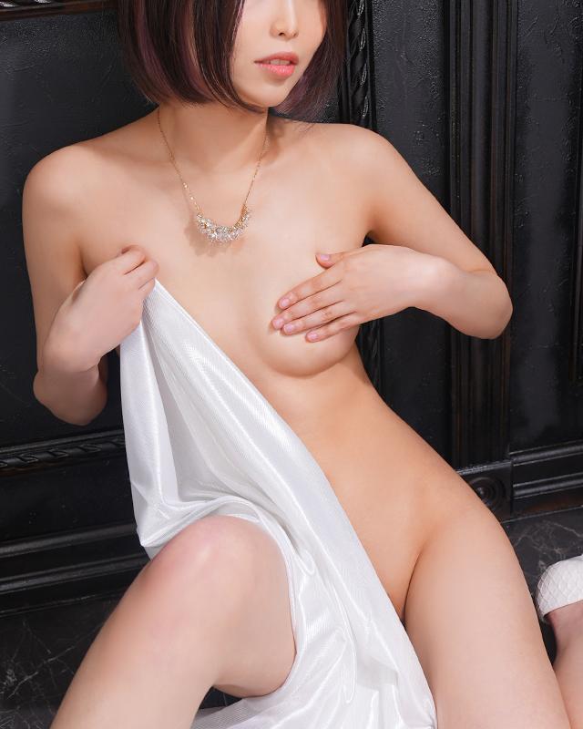 千葉風俗『秘密倶楽部 凛 千葉店』ひかりさんのプロフィール写真5