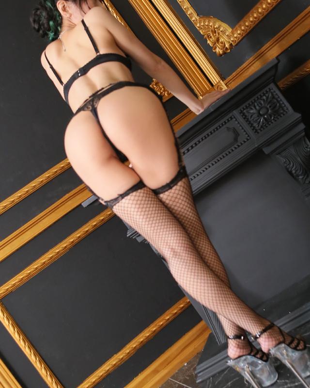 千葉風俗『秘密倶楽部 凛 千葉店』モデルあさひさんのプロフィール写真5