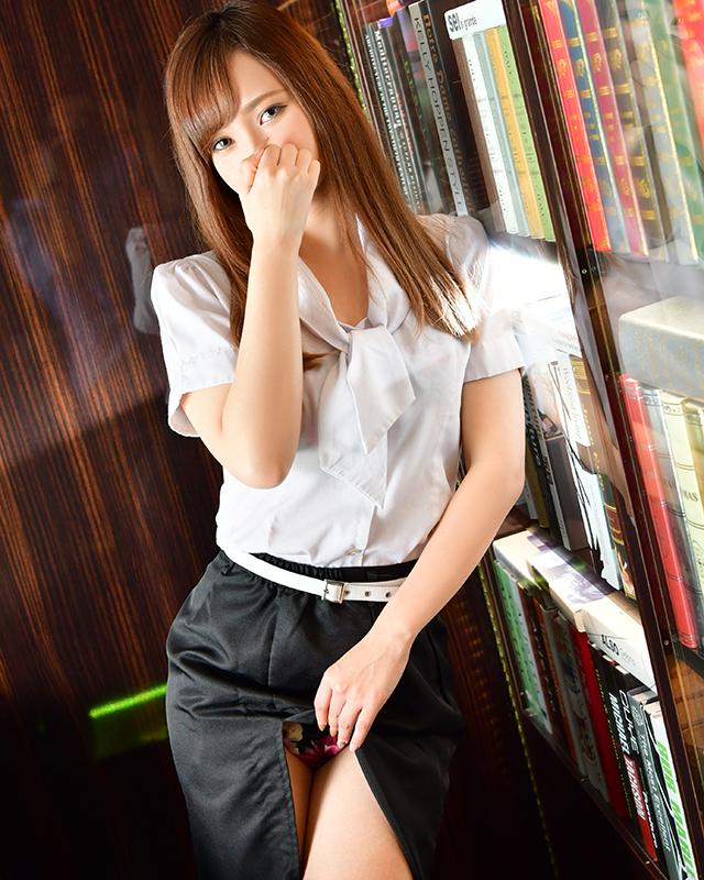 千葉風俗『秘密倶楽部 凛 千葉店』澪さんのプロフィール写真3