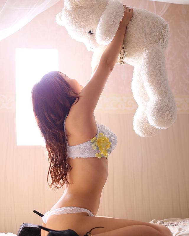 千葉風俗『秘密倶楽部 凛 千葉店』朝比奈しのさんのプロフィール写真5