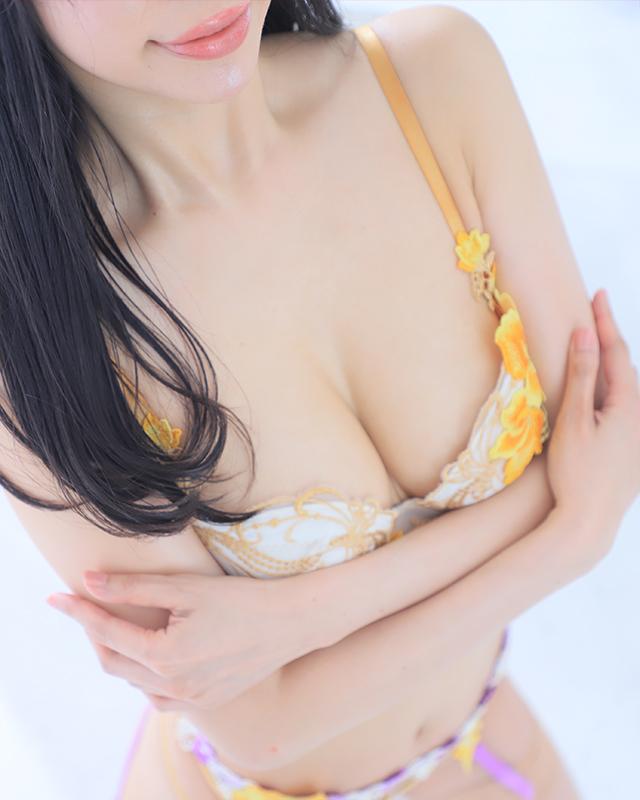 千葉風俗『秘密倶楽部 凛 千葉店』かれんさんのプロフィール写真2